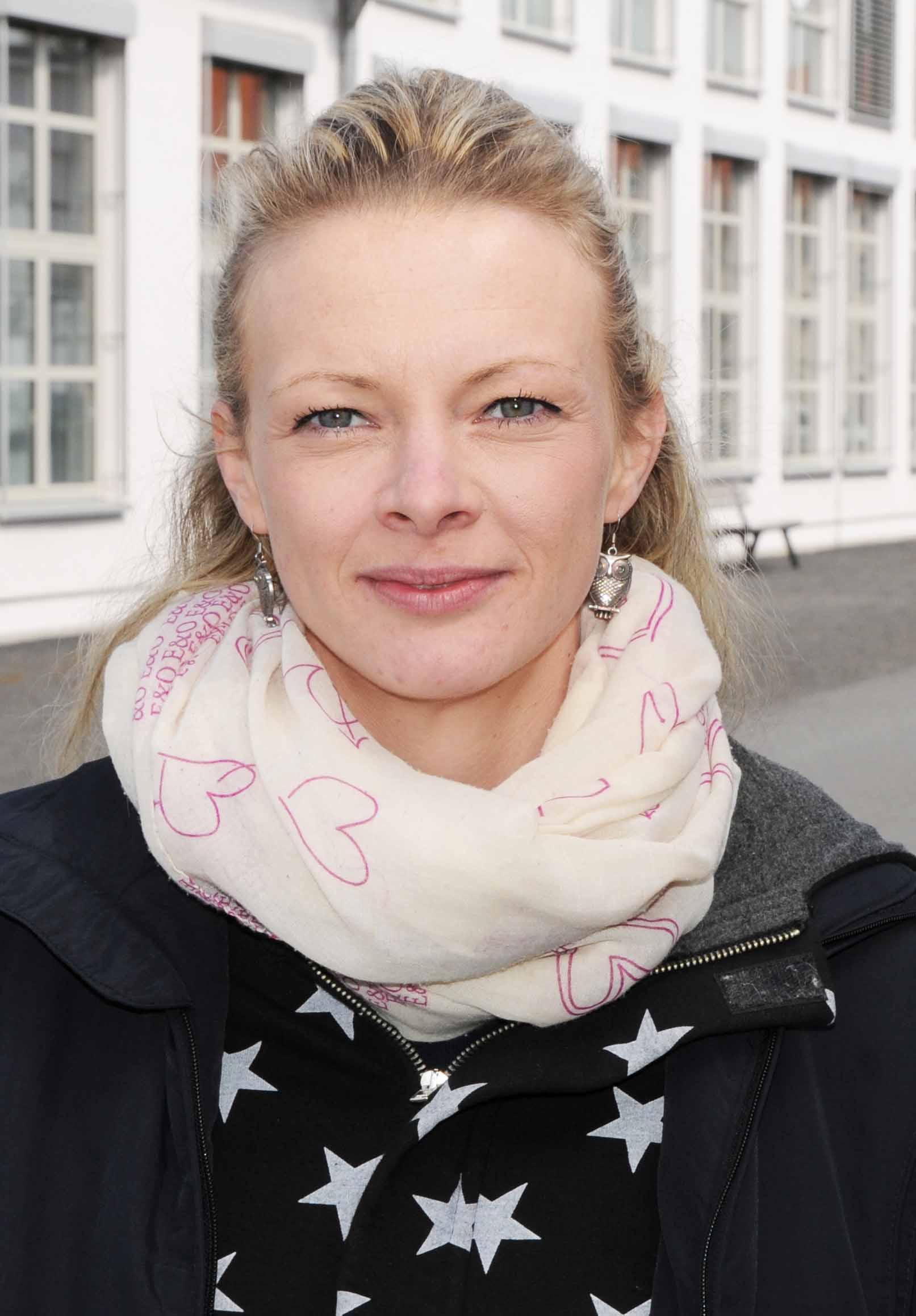 Frau Nadine Scholz
