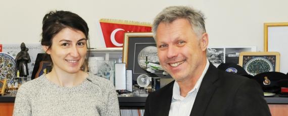 Studentin und Präsident der FHPol